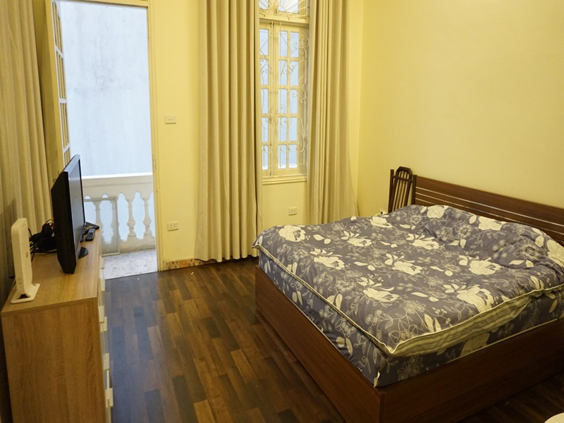 Duplex apartment for rent with 02 bedrooms in Tu Hoa, Tay Ho