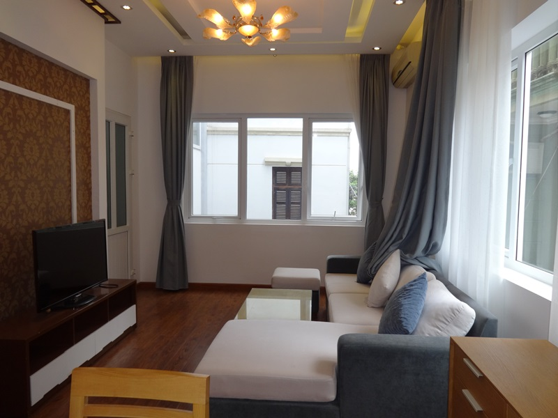 Nice 02 bedroom apartment for rent in Tu Hoa, Tay Ho