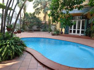 Swimming pool, big garden villa with 05 bedrooms for rent in Tay Ho