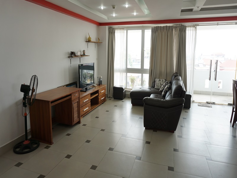 Swimming pool, big size apartment with 01 bedroom for rent in Au Co, Tay Ho