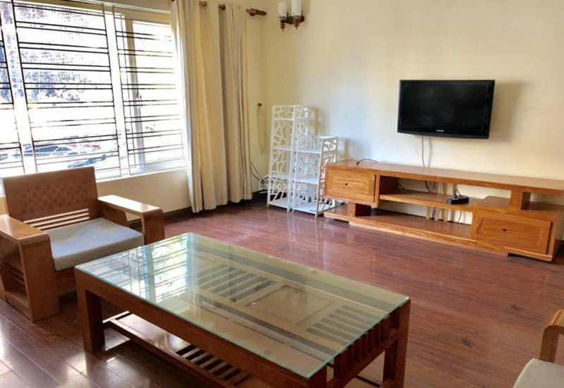 House for rent with 03 bedrooms and garage in Au Co, Tay Ho
