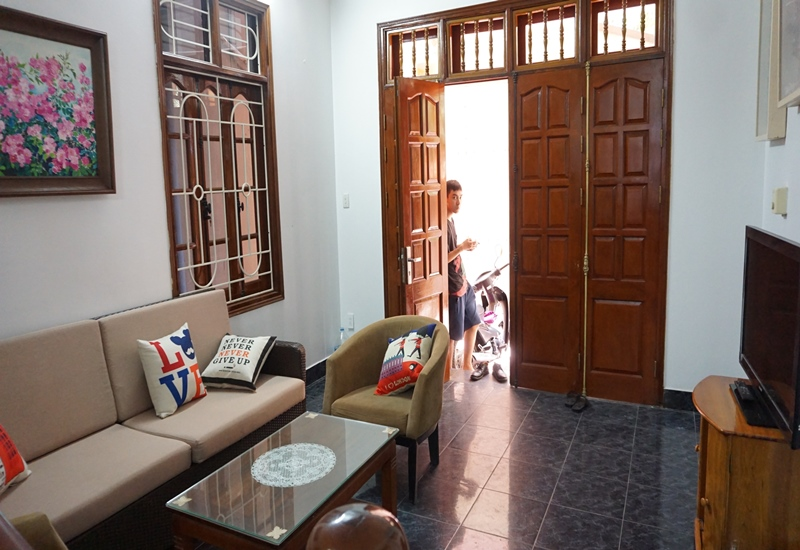 Cheap house for rent with 04 bedrooms in Tay Ho street, Tay Ho