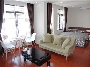 Bright studio apartment with 01 bedroom in Hoang Hoa Tham, Ba Dinh
