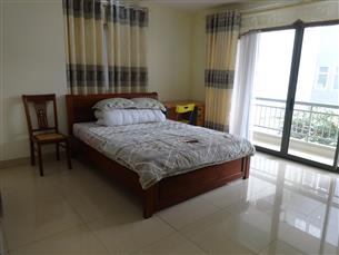 Nice apartment with 02 bedrooms for rent in Lang Ha, Dong Da