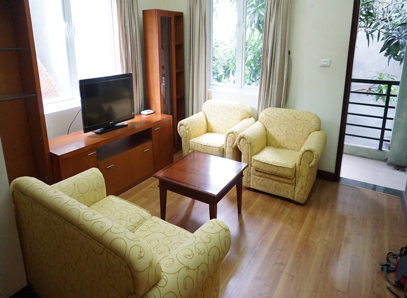 Big balcony 01 bedroom apartment for rent in Ta Quang Buu, Hai Ba Trung district