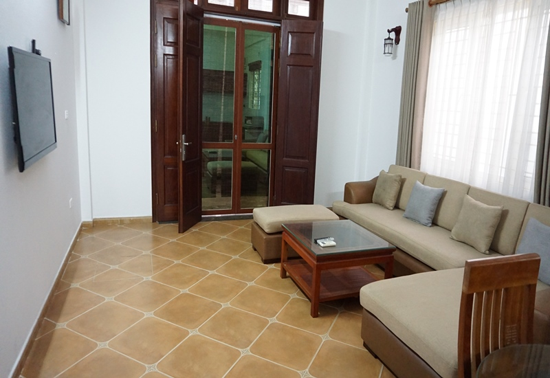 House for rent with 05 bedrooms in Au Co, Tay Ho
