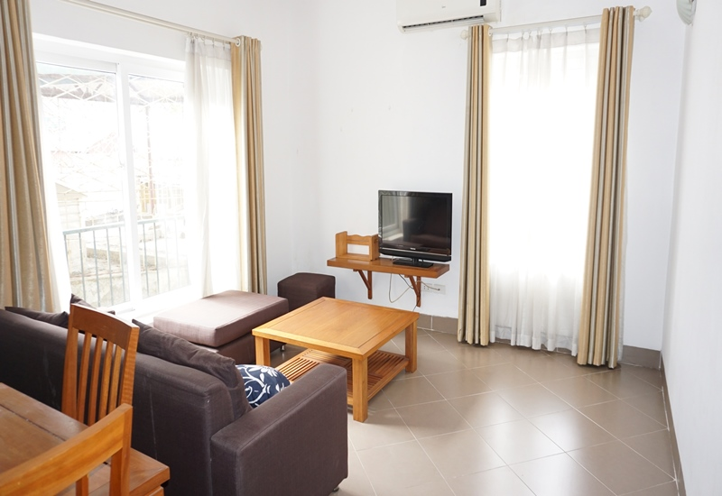 Balcony apartment for rent with 01 bedroom in Ngoc Ha, Ba Dinh
