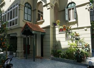 Villa with 05 bedrooms for rent in Xom Phu, Tay Ho