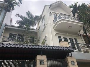 House for rent with 03 bedrooms in Au Co, Tay Ho
