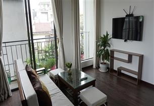 Balcony 01 bedroom apartment for rent in Xuan Dieu, Tay Ho