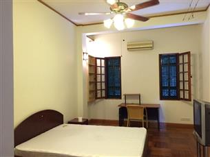 House for rent with 04 bedrooms in Pho Hue str, Hai Ba Trung district