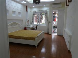 New nice house with 04 bedrooms and 02 working rooms for rent in Doi Can, Ba Dinh