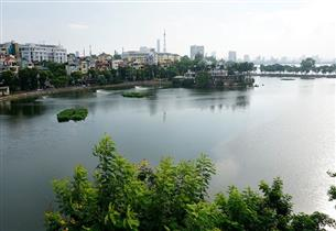 Lake view, balcony apartment for rent with 01 bedroom in Truc Bach, Ba Dinh